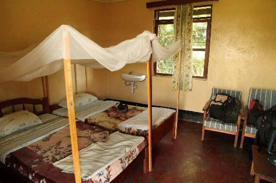 Mweya Hostels Rooms, Queen Elizabeth National Park