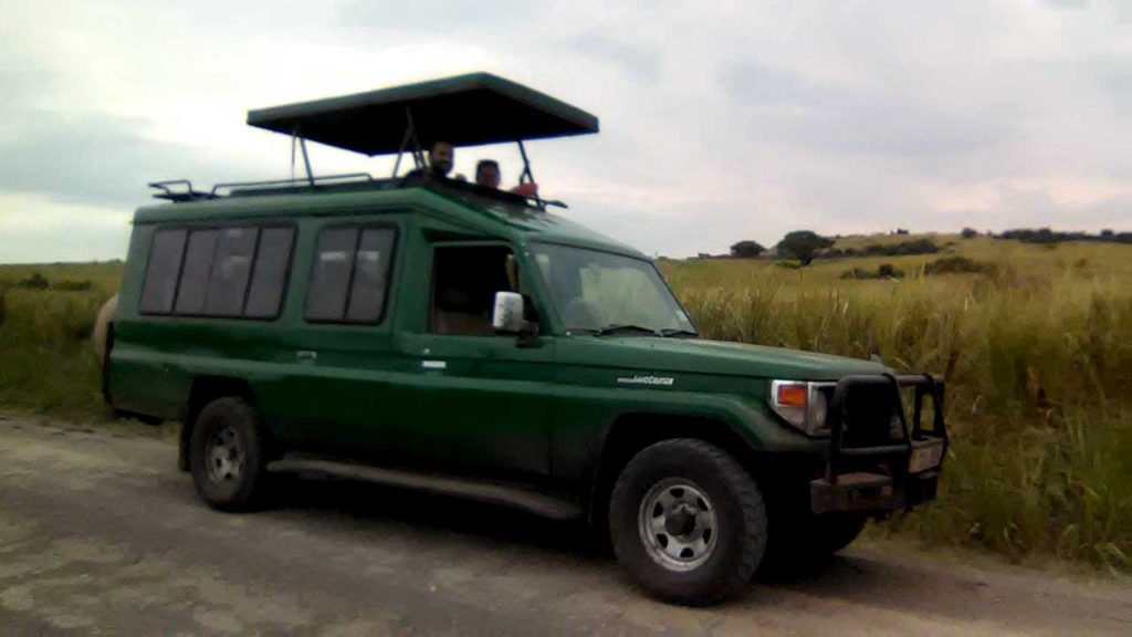 pop-up-safari-landcruiser-2