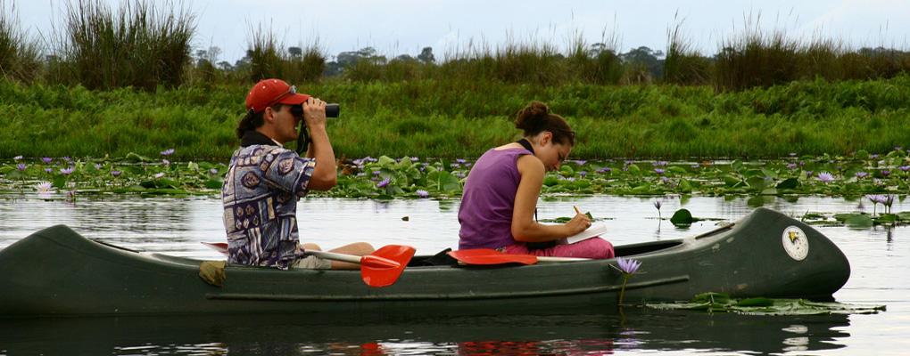canoe-trekking-uganda